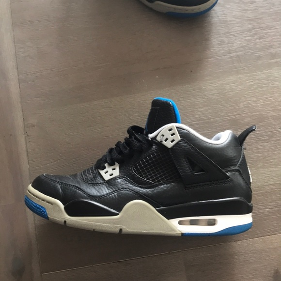 Jordan Shoes | Air Jordan 4 Retro
